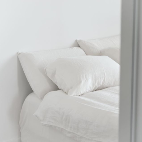 Somn Off White Linen Bedding