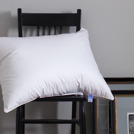 Hutterite Pillow - Queen, Medium Fill