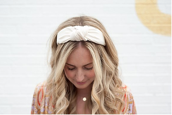 FEMME FAIRE KNOTTED HEADBAND