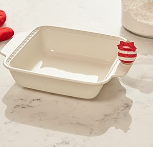 Nora Fleming P7 Bakeware Square 8 x 8 by Nora Fleming