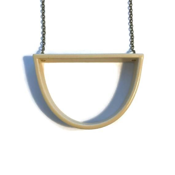 grammar grammar capped curve standard necklace