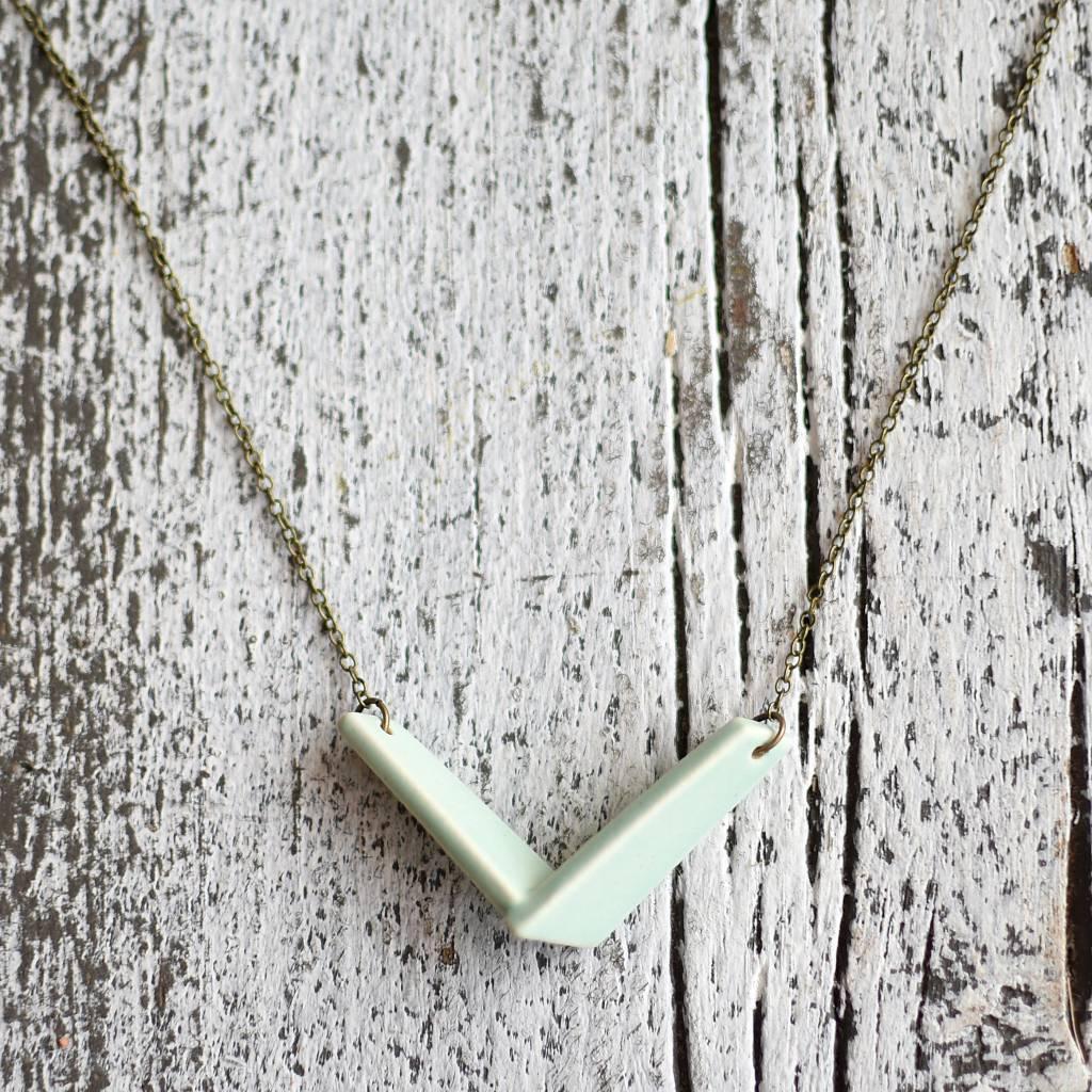 grammar design grammar mini V pendant necklace