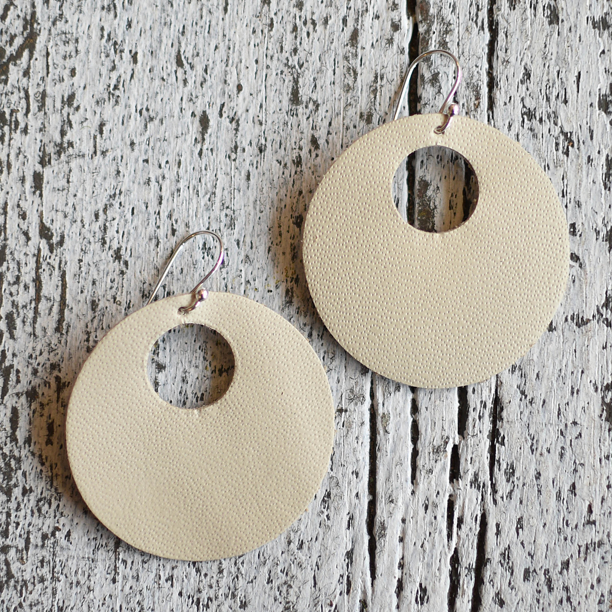 a spot of tee a spot of tee retro circles leather earrings