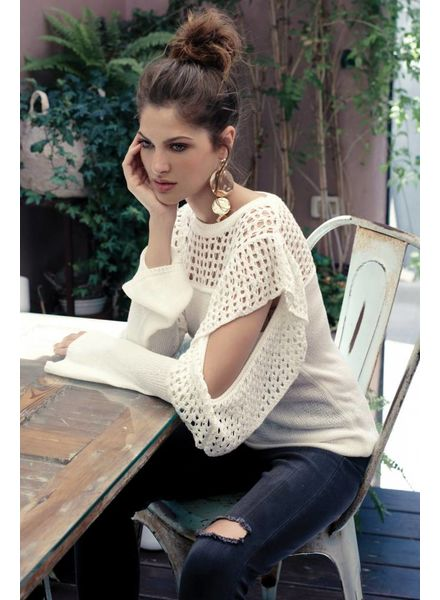 ELAN ELAN Cold Shoulder White Sweater