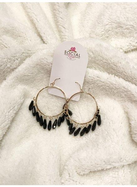 MISC Black Chandelier Earring