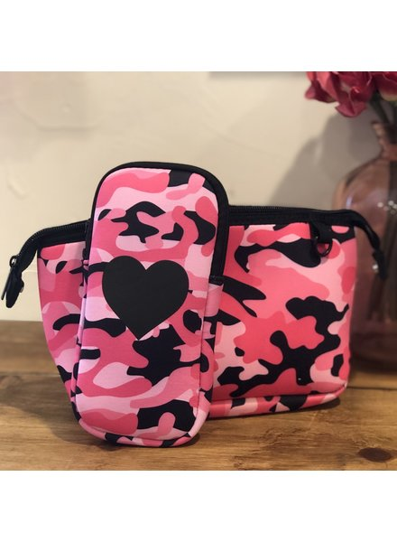 Haute Shore Haute Shore Sunglasses Case Pink Camo/Black Heart
