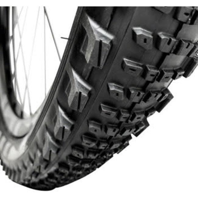 e*thirteen LG1 EN Race Semi-Slick Tire 27.5 x 2.35 Folding, 72tpi Aramid Reinforced Casing, Race Compound, Tubeless Ready, Black