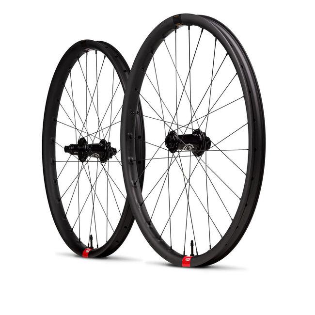 "Santa Cruz Bicycles Santa Cruz Reserve V1 27.5"" Wheelset Industry Nine Hubs"