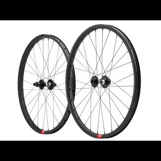 "Santa Cruz Bicycles Santa Cruz Reserve 27.5"" Wheelset DT Swiss 350 Hubs"