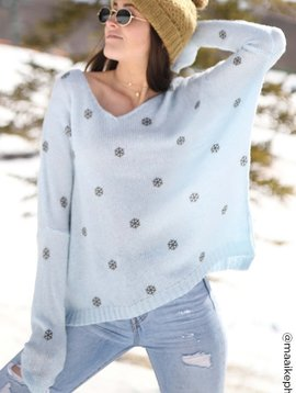 Mini snowflake v neck
