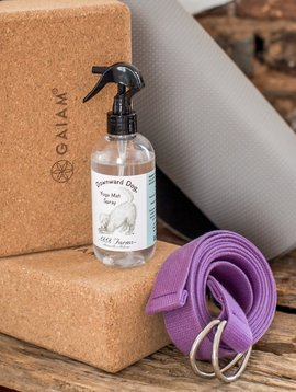 1818 FARMS DOWNWARD DOG MAT SPRAY