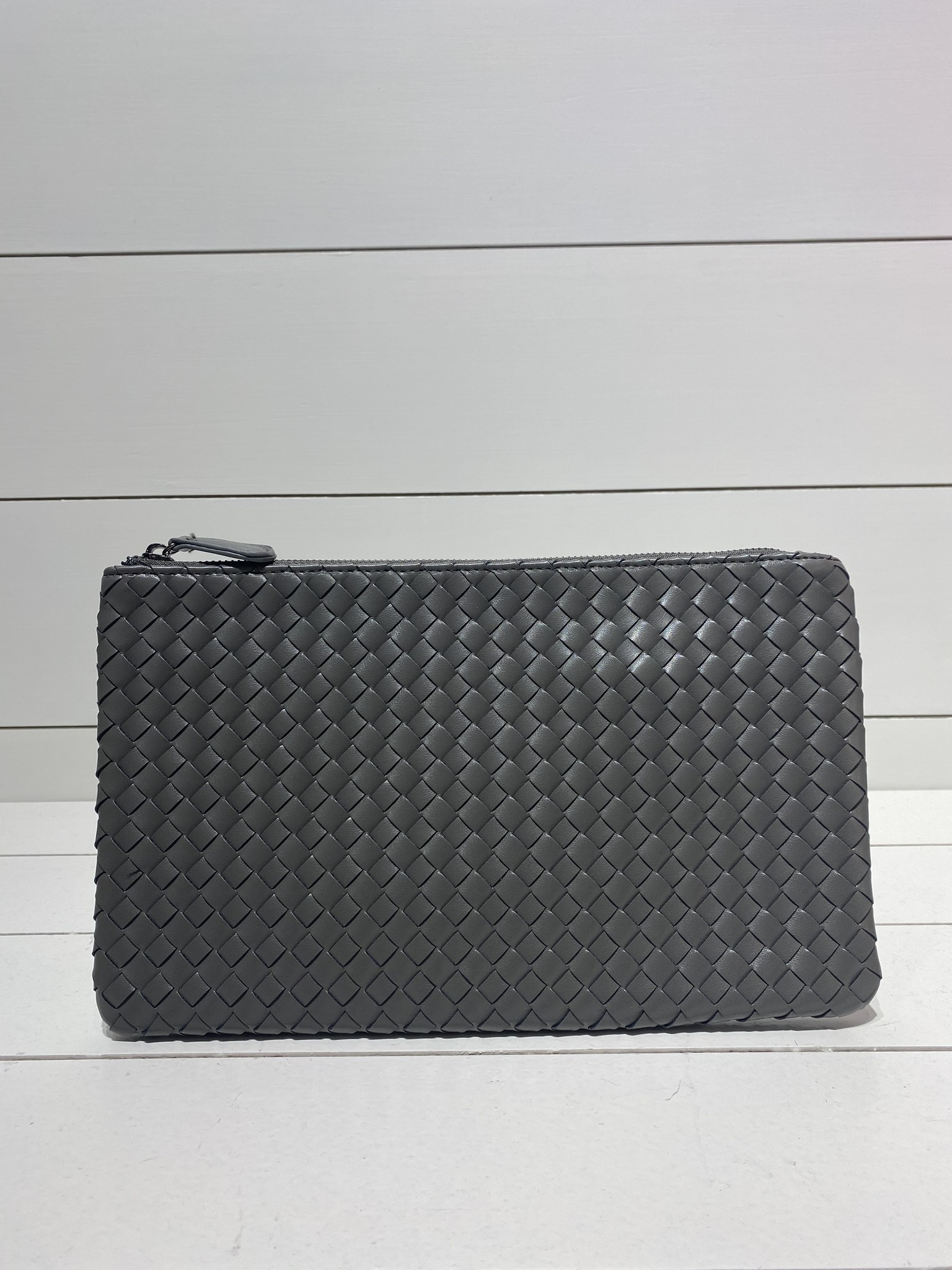 Envelope clutch grey