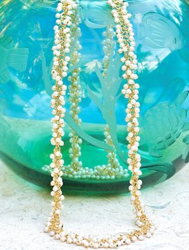 SASHA LICKLE TINY PEARL CLUSTER NECKLACE