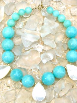 SASHA LICKLE AQUA JADE & MOTHER OF PEARL NECKLACE