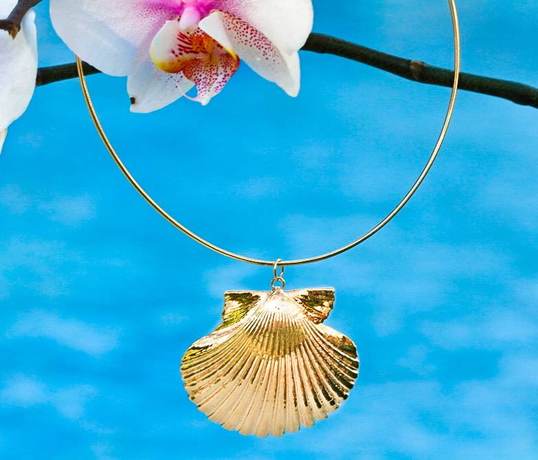 24KT GOLD DIPPED SCALLOP SHELL GLIDER NECKLACE