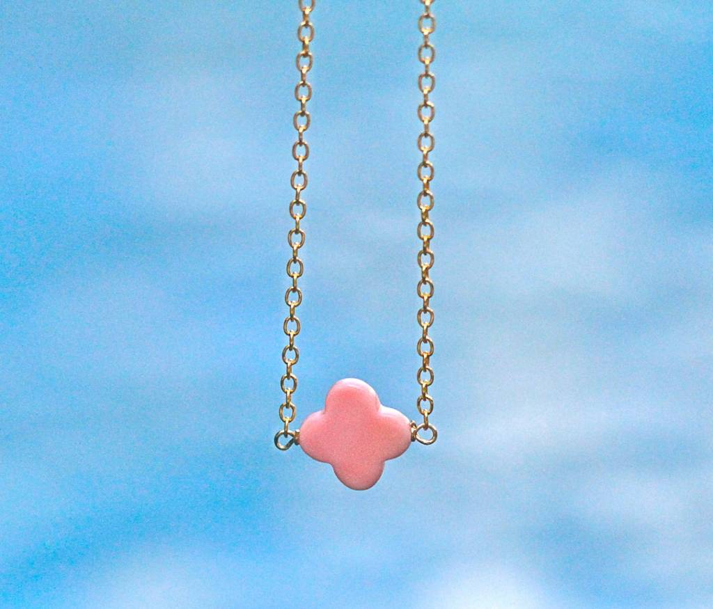 SASHA LICKLE CONCH SHELL CLOVER NECKLACE