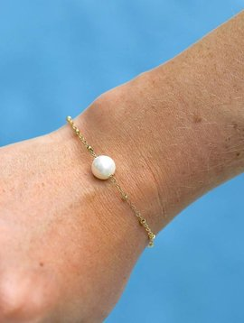 SASHA LICKLE FLOATING PEARL BRACELET