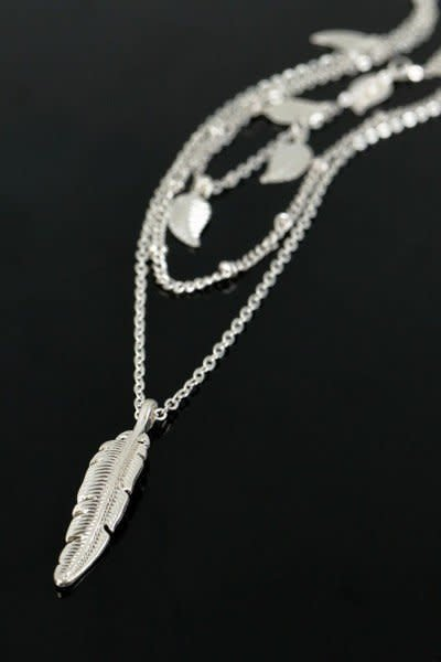 Leaf Charm Layer Necklace