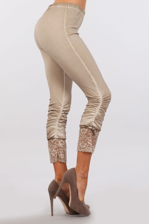 Leggings with Lace