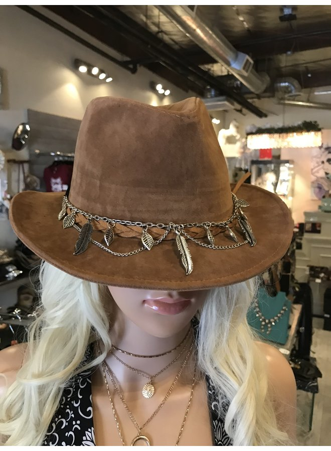 Braided Hat with Accessory