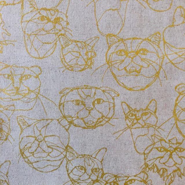 Kokka Kokka Sketched Cats Faces Metallic Gold on Natural