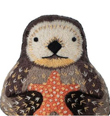 Kiriki Press Kiriki Press Embroidered Doll Kit Otter