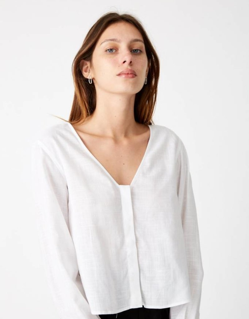Thirdform Concealed V-Neck Shirt