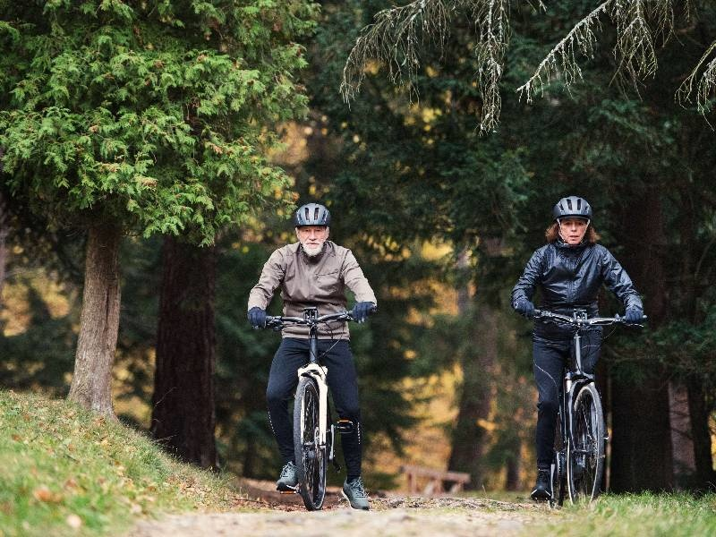 How E-Bikes Can Help Couples to Keep Cycling Together?