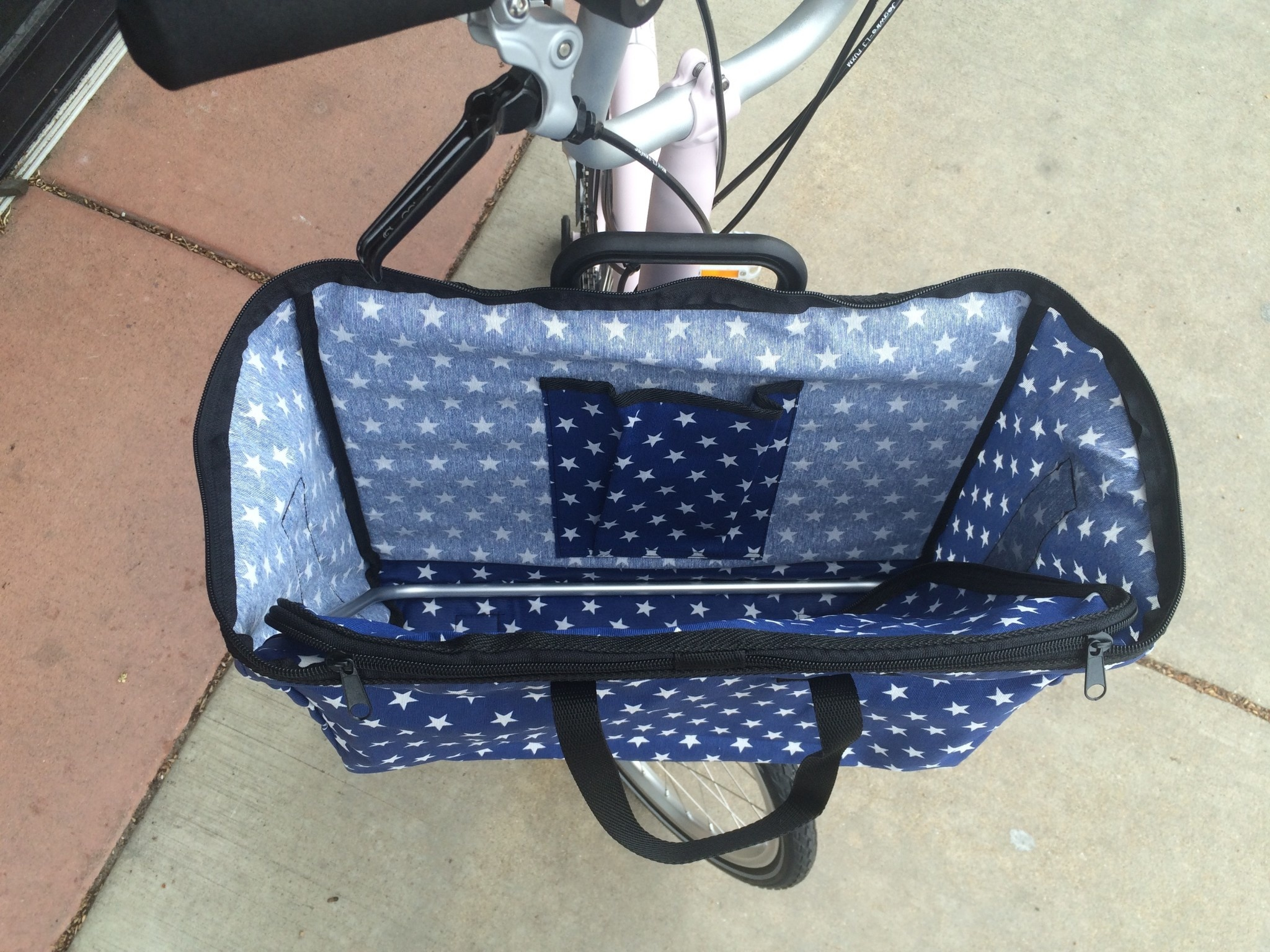 Brompton Valeria's Folding Basket for Brompton - Blue Stars