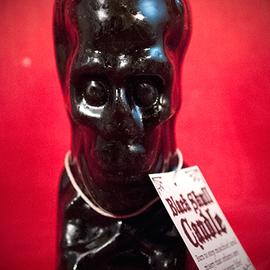 Hex Black Skull & Cross Bone Candle