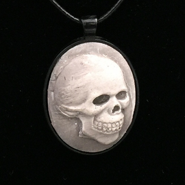 Hex Classic Skull Necklace