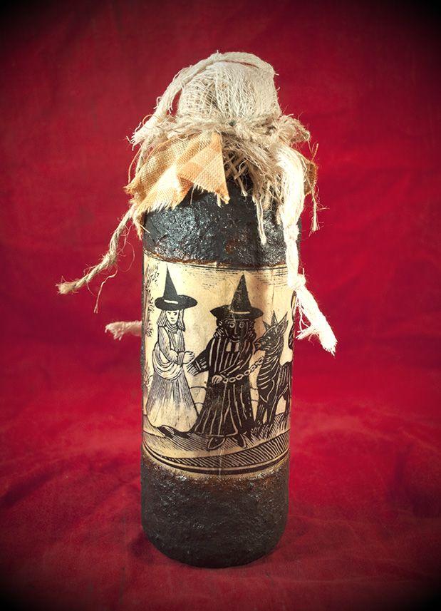 The WitchÌøs Familiar Woodcut Spell Bottle