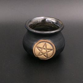 OMEN Little Cauldron Pot in Black with Pentagram