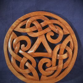 OMEN Celtic Knot Triquetra with Circle Wall Hanging in Mahogany