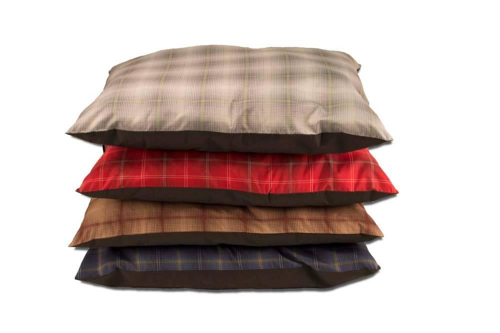Dallas Maunufacturing Pillow Dog Bed Plaid 27x36