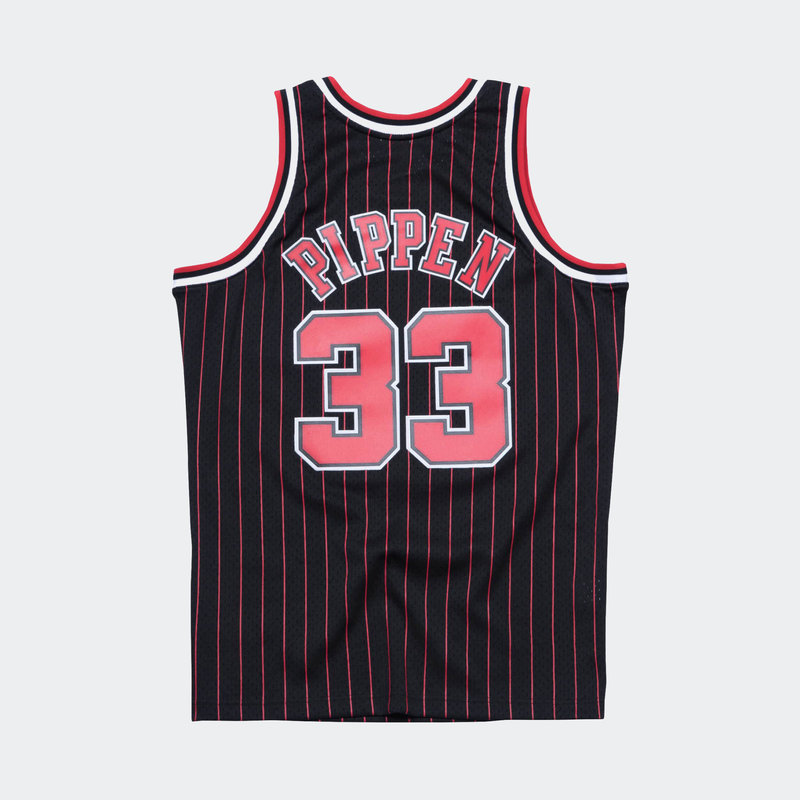 Mitchell & Ness Mitchell & Ness Scottie Pippen Swingman Jersey Chicago Bulls Black/Pin Stripe