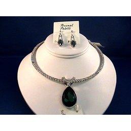 Jewelry & Adornments Pendant, Green Teardrop