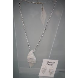 Jewelry & Adornments Set, Necklace & Earring, White Shell