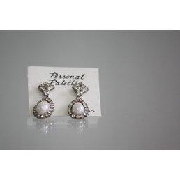 Jewelry & Adornments Earring, Pear Tear Drop