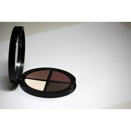 Cosmetics *Fashionista Dry Pressed Powder Eye Shadow Quad, Mirror Compact .25 oz, Discontinued item - last stock available