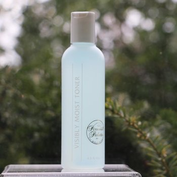 Skin Care Visibly Moist Toner, Flip cap 4.5 fl.oz.<br />Slightly Dry | Extremely Dry | Dehydrated