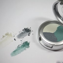 Cosmetics *Ocean Breeze Dry Pressed Powder Eye Shadow Trio<br />