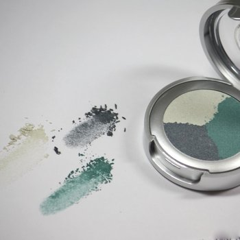 Cosmetics *Ocean Breeze Dry Pressed Powder Eye Shadow Trio<br />Discontinued item - last stock available