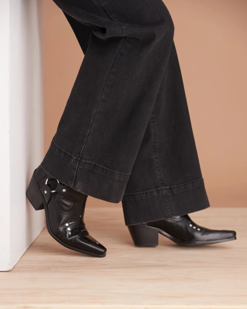 YOGA JEANS YOGA JEANS LILY HIGH RISE WIDE LEG BLACK CHARLOTTE