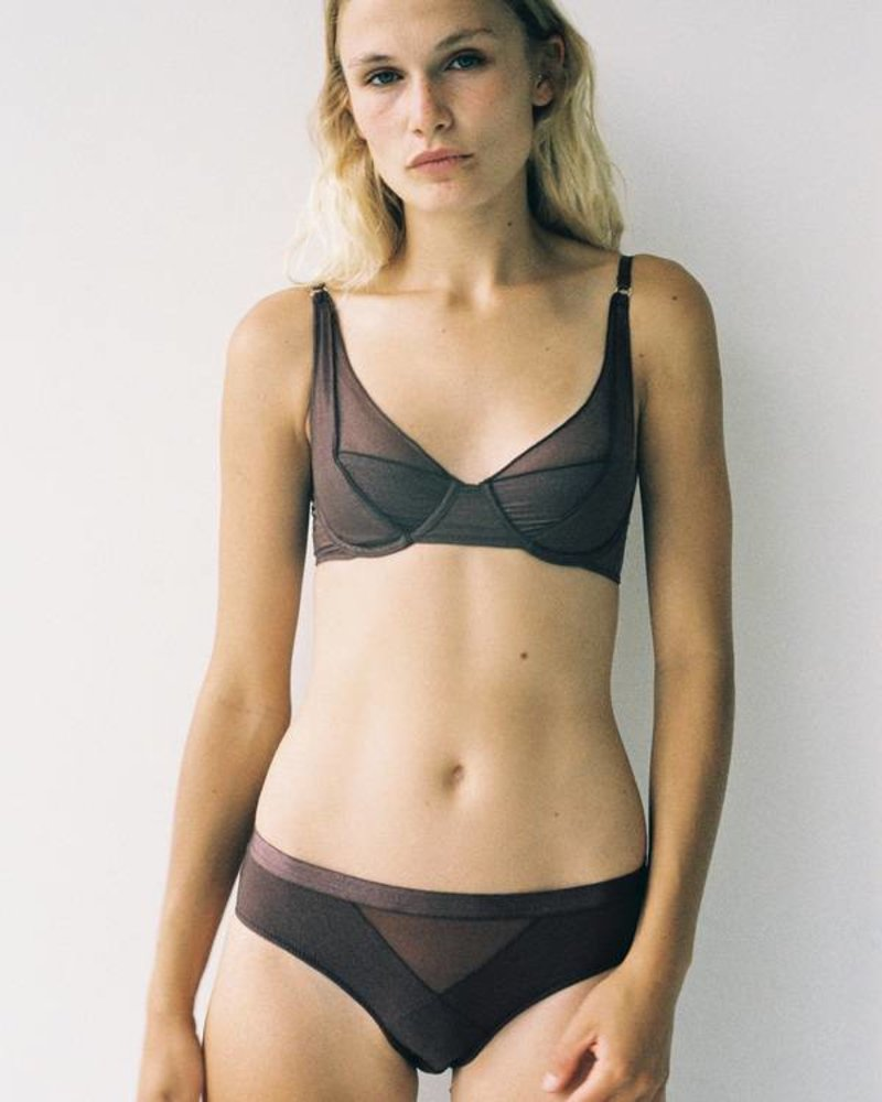 Lonely Thea Brief
