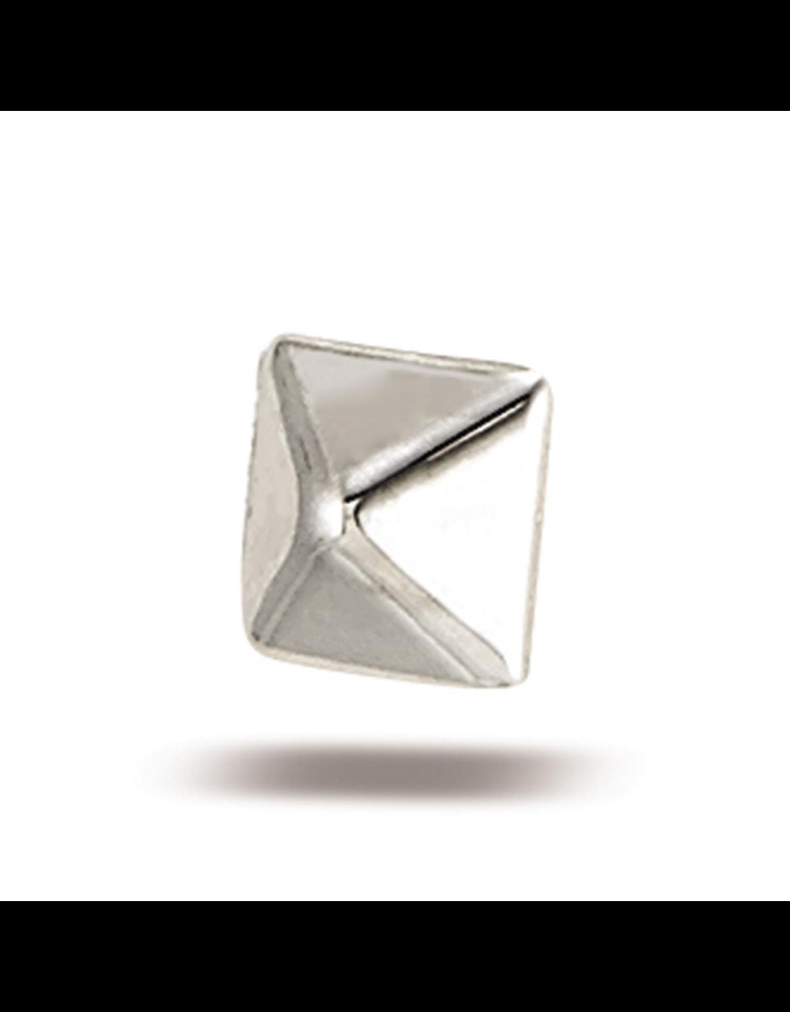 14k White Gold Pyramid (3.25mm)