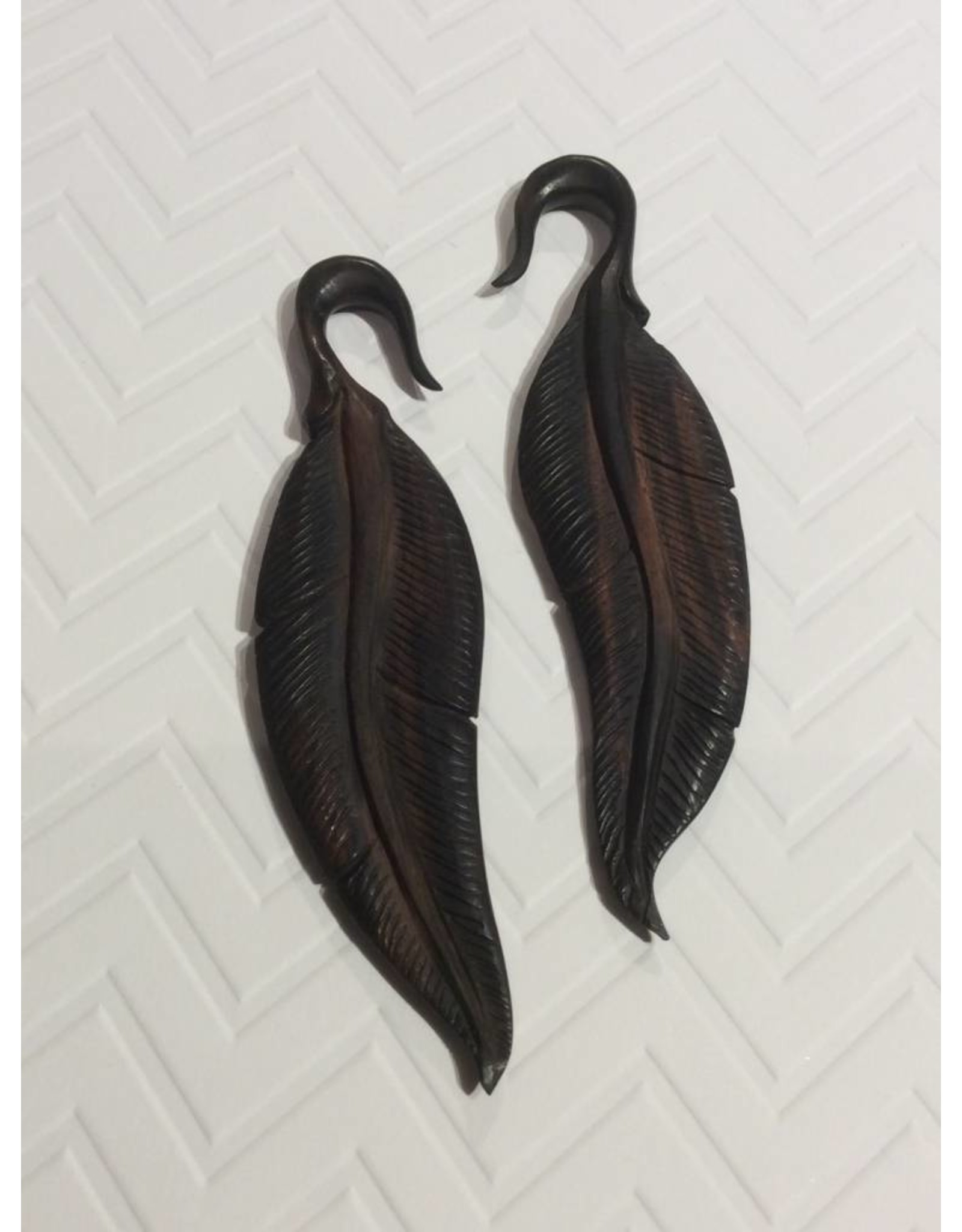 2g Ebony Feather Hangers