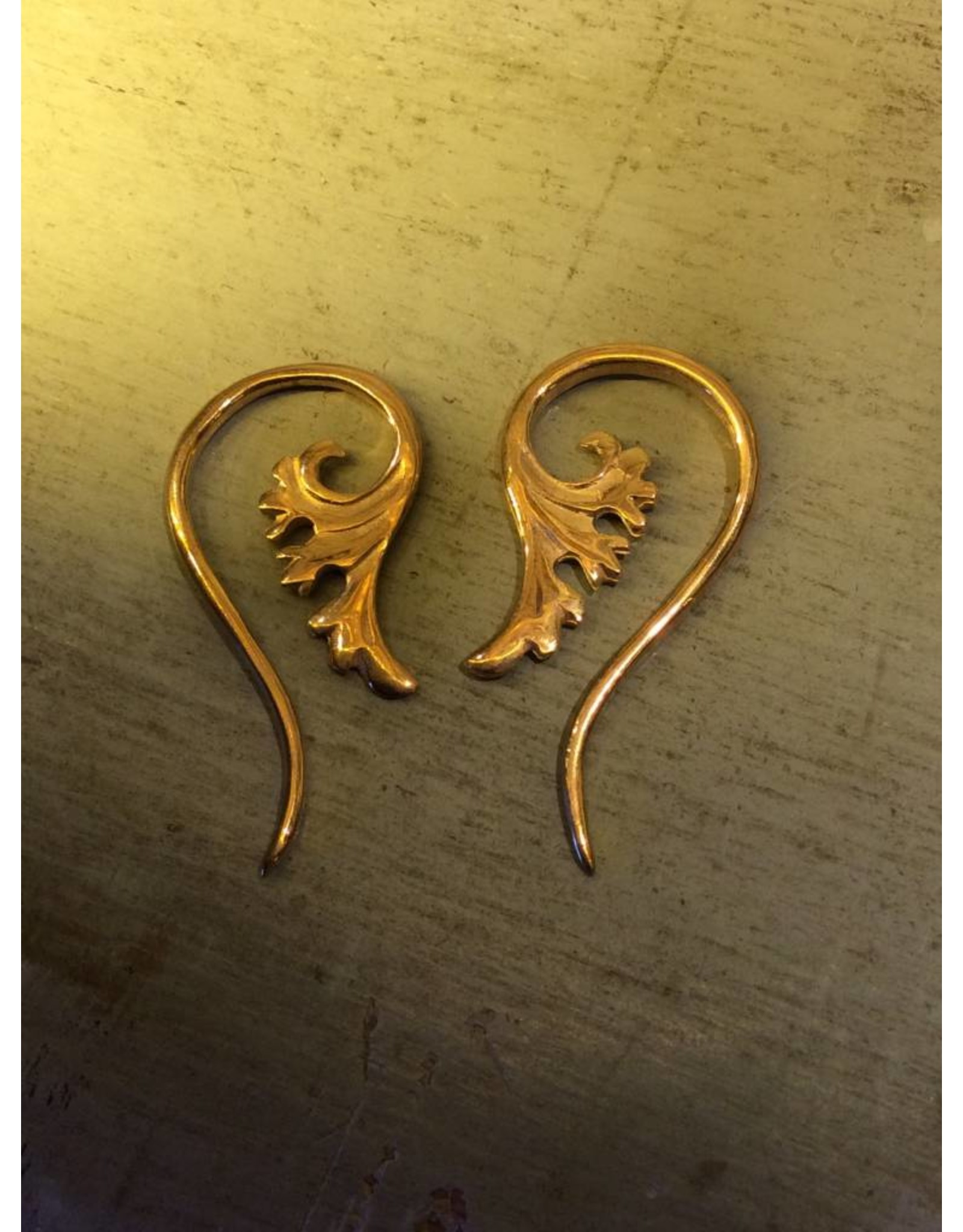 12g Gold Plated Persian Lily Hangers