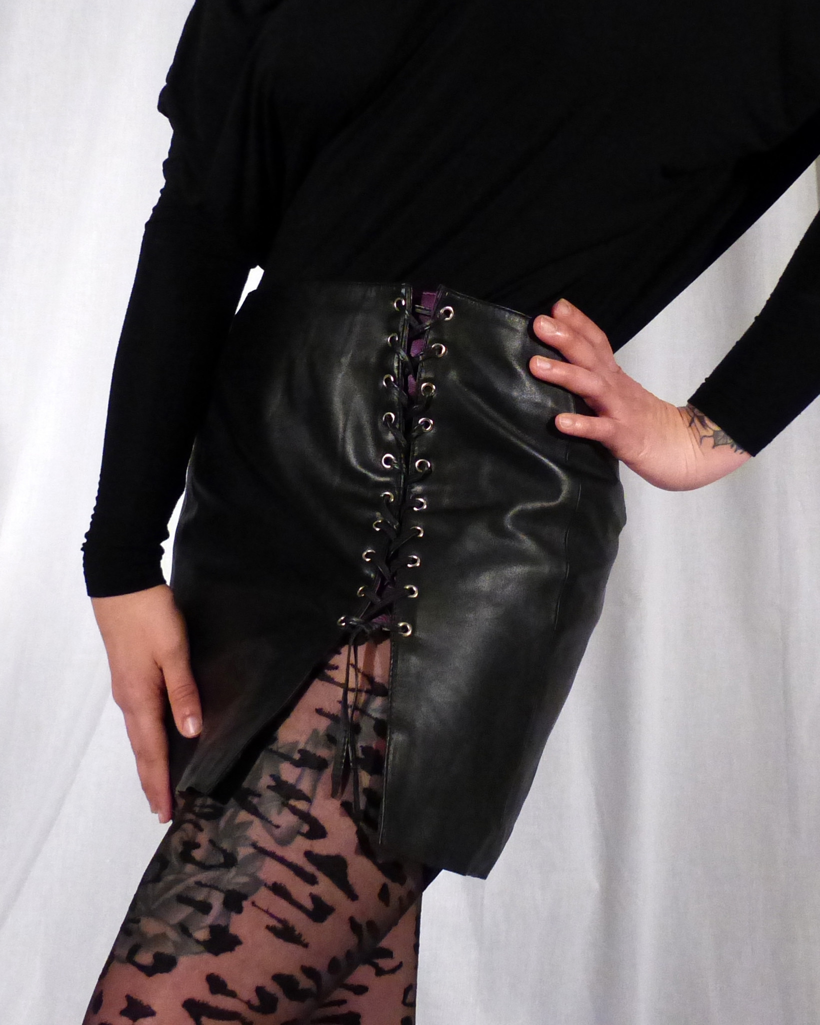 PASSIONAL Leather Side Lace Skirt