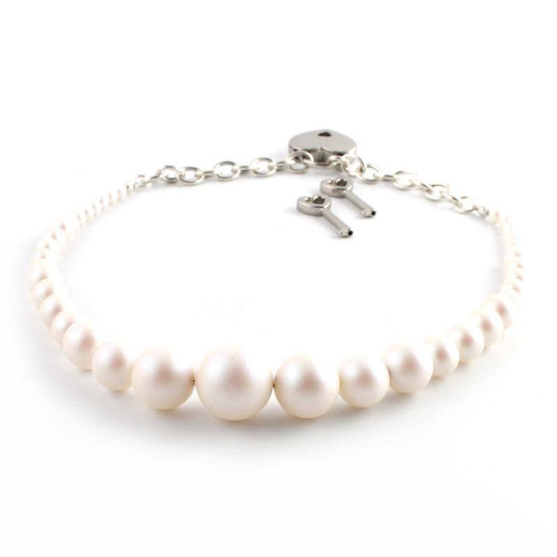 Restrained Grace Swrarovski Pearl Day Collar
